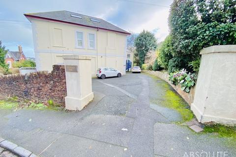2 bedroom apartment - Ruckamore Road, Torquay