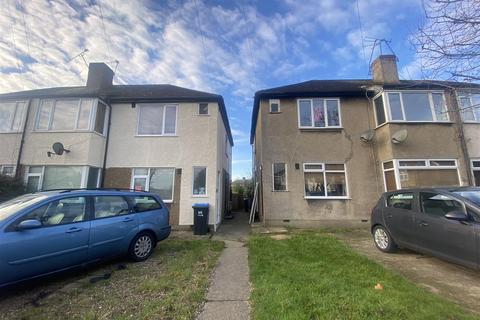 2 bedroom maisonette - Westmoor Road, Enfield