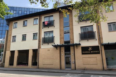 2 bedroom flat to rent - Linden Court, Holbrook Way, Swindon