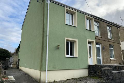 2 bedroom property with land for sale - Gate road, Penygroes