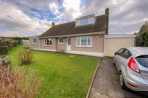 4 bedroom detached bungalow - 9 Haylett Lane, Haverfordwest, SA61 1JP