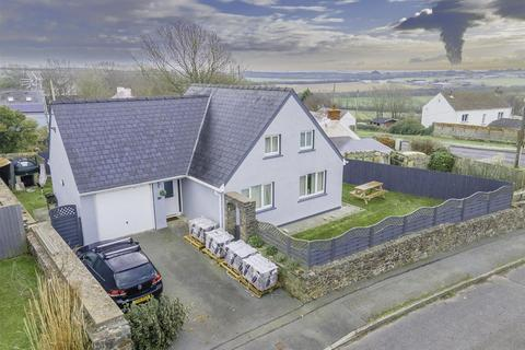 3 bedroom detached house for sale - Little Castle Grove, Herbrandston, Milford Haven
