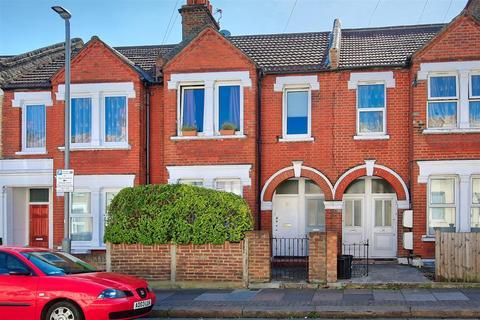 2 bedroom flat - Mellison Road Tooting