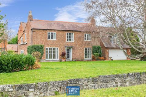 5 bedroom farm house for sale - Station Road, Offenham