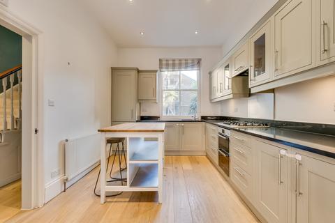 4 bedroom house to rent - Lurline Gardens, SW11