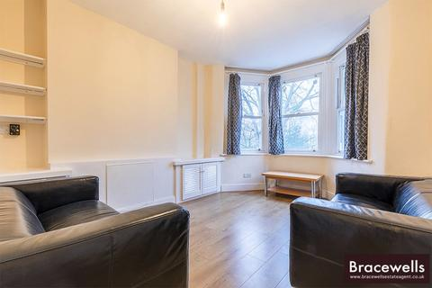3 bedroom flat to rent - Middle Lane, Hornsey, London N8