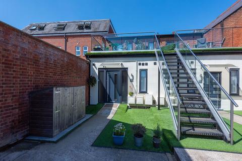 1 bedroom maisonette for sale - High Street, Farnborough, GU14