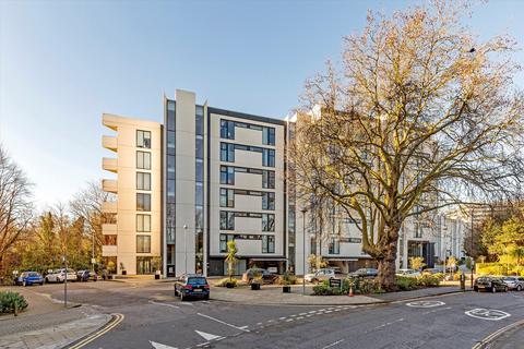 3 bedroom flat for sale - Colonial Drive, London, W4