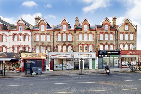 3 bedroom flat - Ferme Park Road, London, N4
