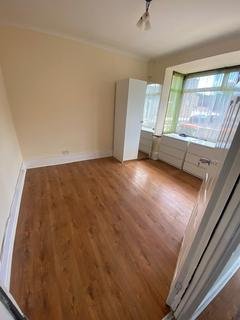 5 bedroom terraced house to rent - Talbot Road, E7