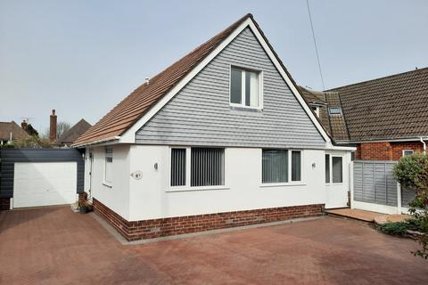 3 bedroom detached house for sale - Inglewood Avenue, Bournemouth, BH8