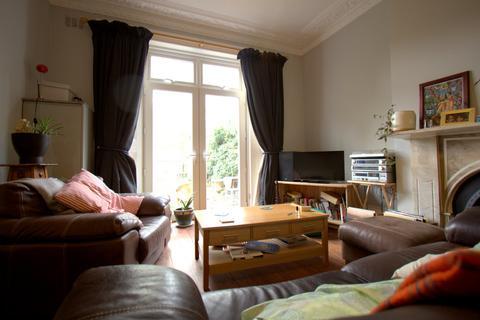 1 bedroom flat - Lambert Road, Brixton
