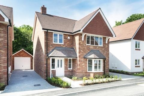4 bedroom detached house for sale - Knockhall Road Greenhithe DA9