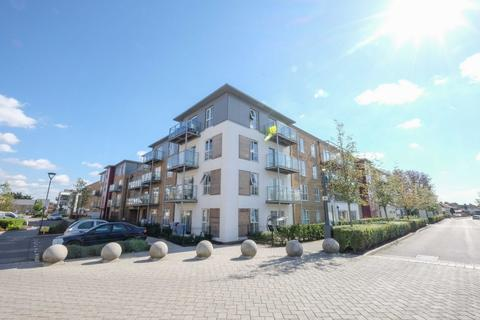 2 bedroom flat - Wintergreen Boulevard, West Drayton, UB7