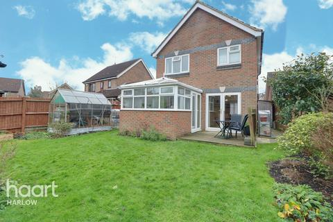 3 bedroom detached house - Rushton Grove, Harlow