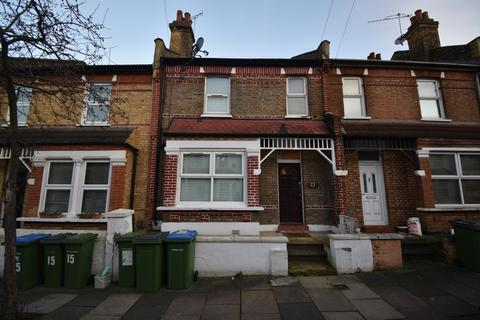 1 bedroom house share to rent - Roydene Road London SE18
