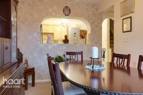 3 bedroom end of terrace house for sale - Beaumont Road, Maidstone