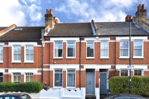 3 bedroom flat - Kingswood Road
