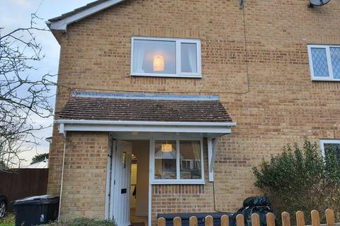 1 bedroom cluster house to rent - Oakley Gardens, Upton