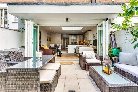 4 bedroom terraced house for sale - Phillimore Gardens Close, Kensington, London