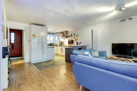 3 bedroom maisonette for sale - Derby Court, 2 Overbury Street, London, E5