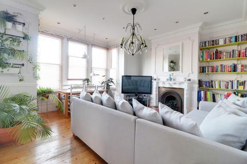 2 bedroom ground floor flat for sale - Brownlow Road, Bounds Green, London, N11