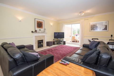 4 bedroom semi-detached house to rent - Wycliffe Road, Battersea