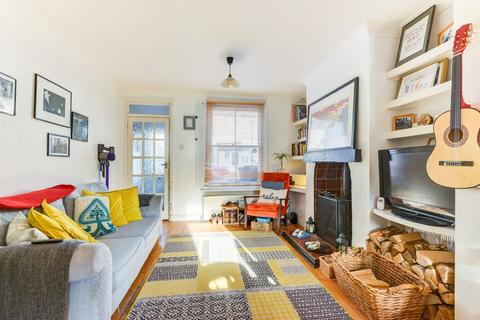 2 bedroom terraced house - Orme Road, Worthing