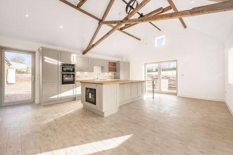 5 bedroom barn conversion for sale - Badgers Lane, Almondsbury
