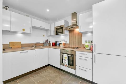 2 bedroom flat to rent - Surrey Quays Road, London SE16
