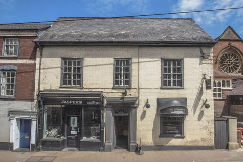 Retail property (high street) to rent - Union Road, Crediton