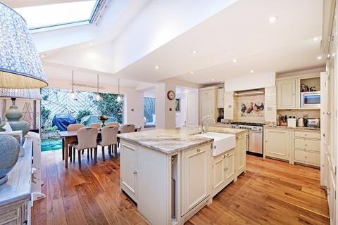 4 bedroom terraced house to rent - St Dionis Road, London