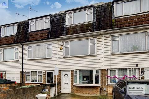 4 bedroom terraced house for sale - Young Road, Canning Town, E16