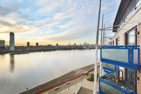 2 bedroom flat for sale - Apollo Building, 1 Newton Place, Canary Wharf, London, E14