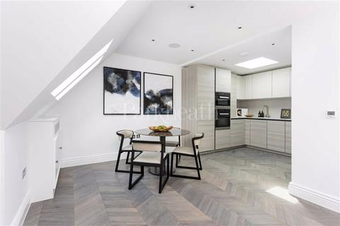 2 bedroom flat for sale - Fitzjohn's Avenue, Hampstead, London