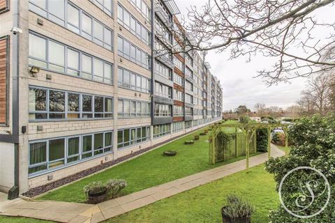 2 bedroom apartment - Ingledew Court, Moortown, LS17
