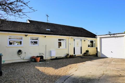3 bedroom detached bungalow for sale - Curzon Street, Calne