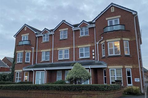2 bedroom flat - St Andrews Gate, St. Andrews Road North, St Annes