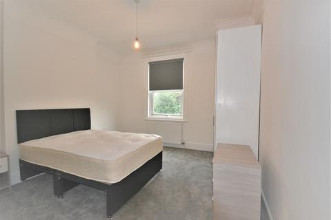 1 bedroom house share to rent - Fordhook Avenue, Ealing, London, W5 3LP