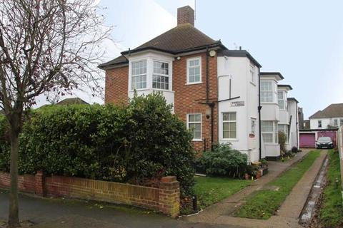 3 bedroom flat for sale - MARINE ESTATE, LEIGH-ON-SEA SS9