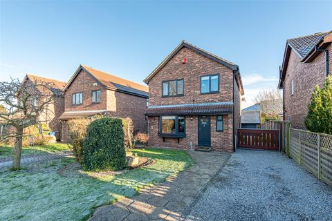 4 bedroom detached house - Queensgate, Beverley, East Yorkshire, HU17 8NJ