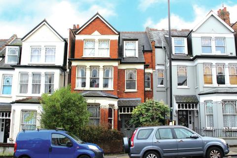 6 bedroom terraced house - Alexandra Park Road, Muswell Hill, N10