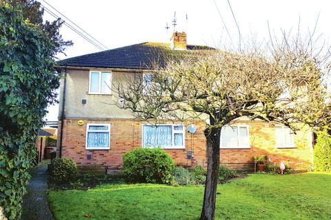 2 bedroom maisonette for sale - Oaks Road, Stanwell, Staines-upon-Thames, TW19