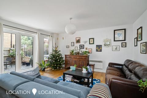 3 bedroom flat for sale - Beatty Road, N16