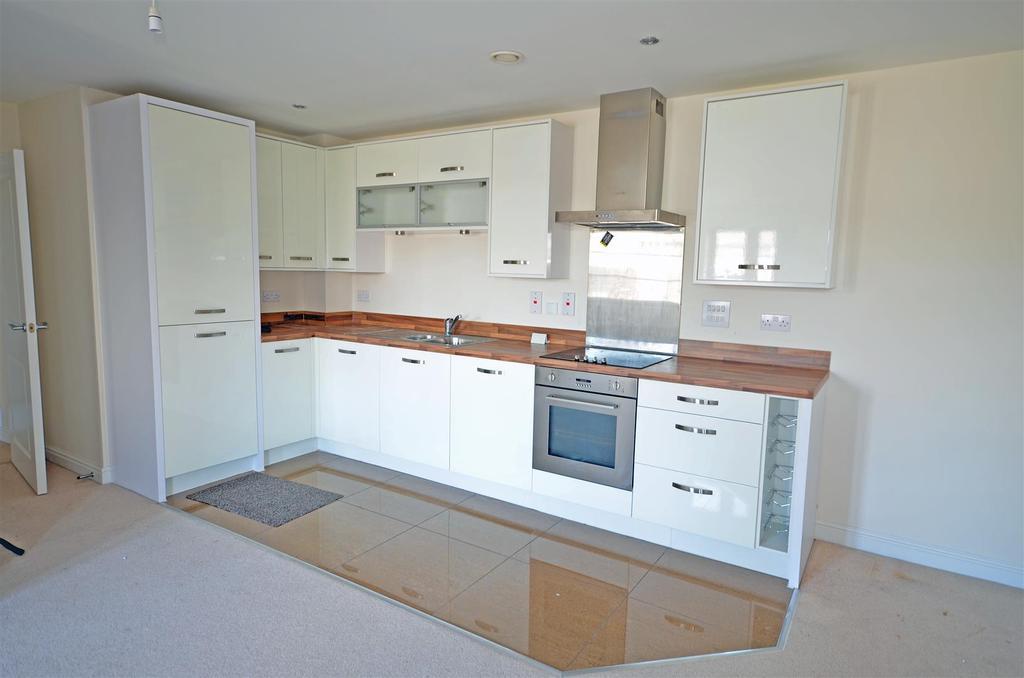 20 Wessex Court Kitchen.jpg