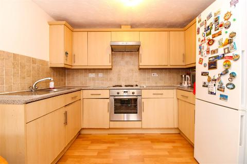 2 bedroom flat for sale - Somerset Hall, Creighton Road, London