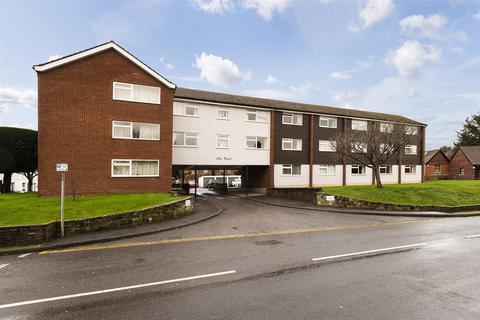 2 bedroom flat - East Street, Tonbridge