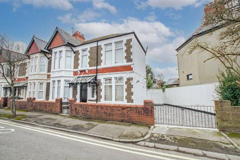 3 bedroom end of terrace house - Clodien Avenue, Heath, Cardiff
