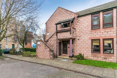 2 bedroom ground floor flat for sale - Thorntree Street, Leith, Edinburgh, EH6
