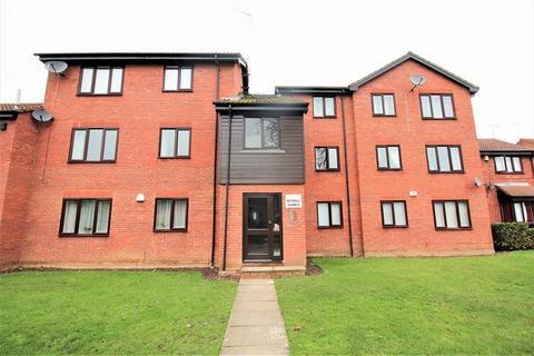 2 bedroom ground floor flat for sale - Halifield Drive, Belvedere, Kent, DA17 5RS